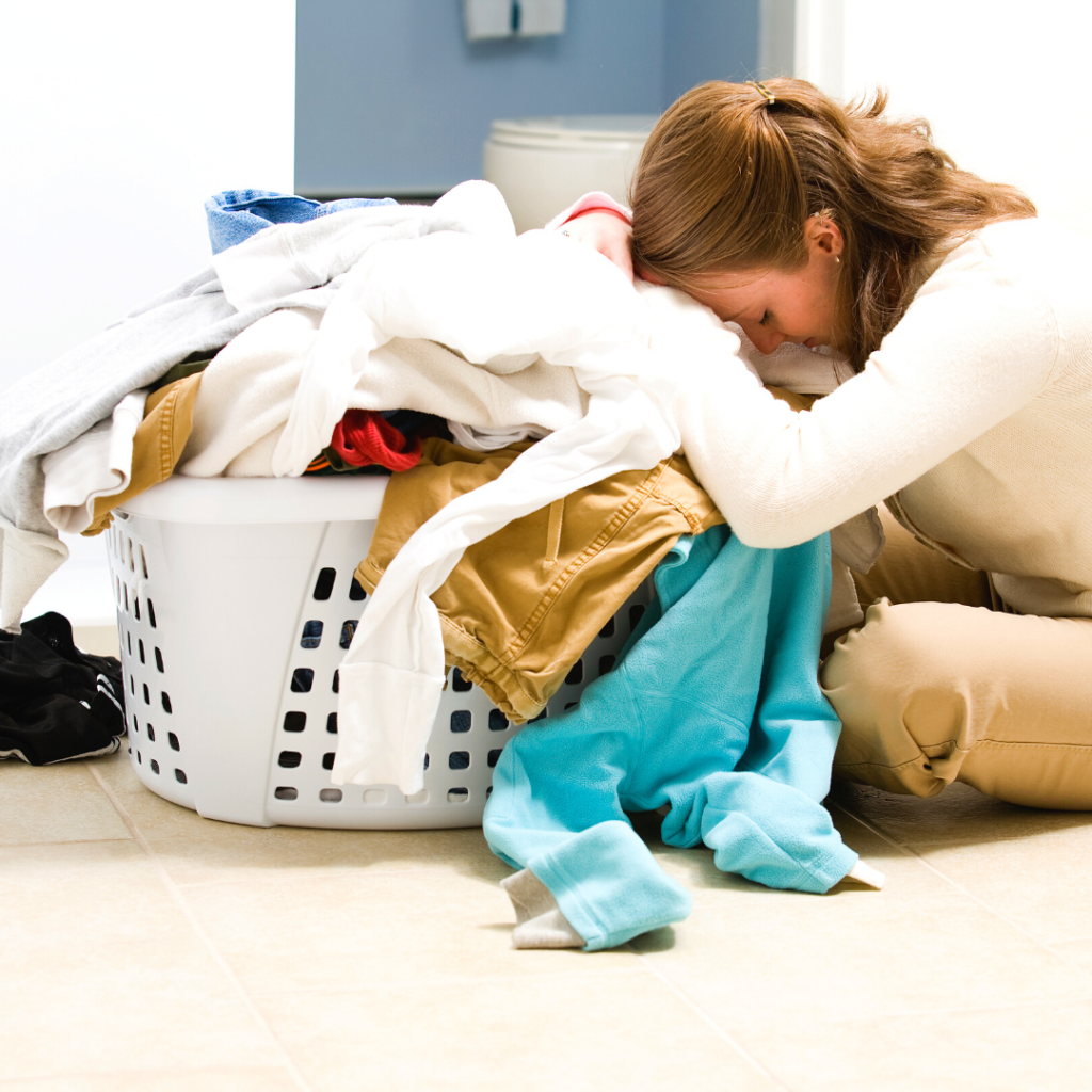 overwhelmed mom needs a weekly cleaning schedule that she loves